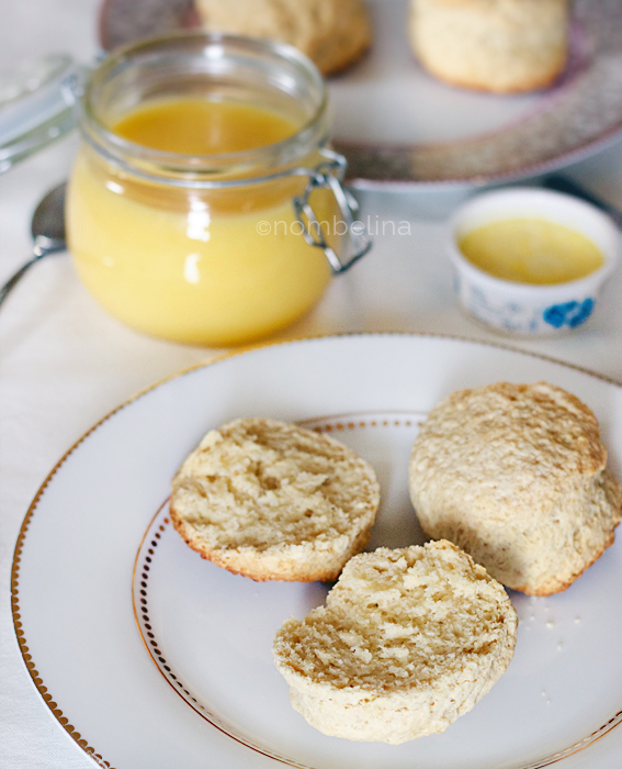 Verjaardag - scones, lemon curd en clotted cream