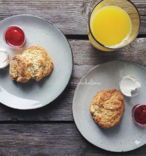 Lof der Zoetheid - Scones with clotted cream and jam